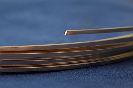Picture of Yellow Gold-Filled Square Wire 14/20 (Soft) 0.7mm x 1m
