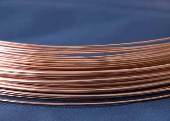 Picture of Rose Gold-Filled Round Wire 14/20 (Soft) 2.59mm x 25cm