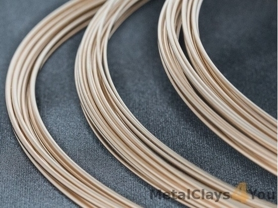 Picture of Yellow Gold-Filled Round Wire 14/20 (Half Hard) 2.59mm x 25cm